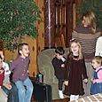 Kids singing circle