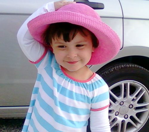 MAYA IN HAT